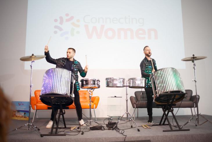барабанщики из бенда RhythmMen
