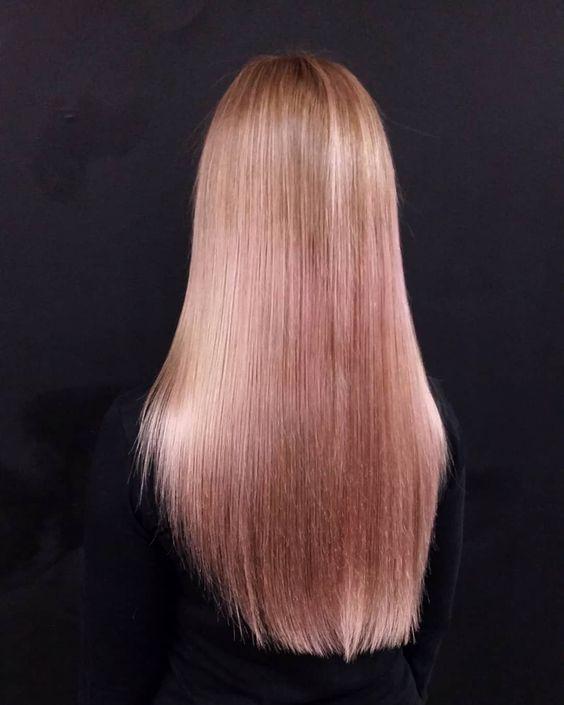 модный цвет волос клубничный блонд