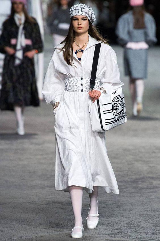 модные колготки 2019 белого цвета