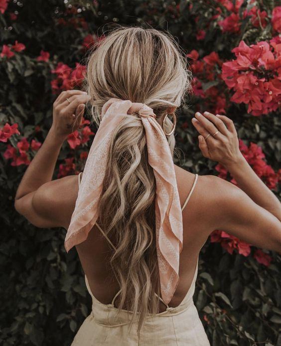 Прическа Хвост с платком