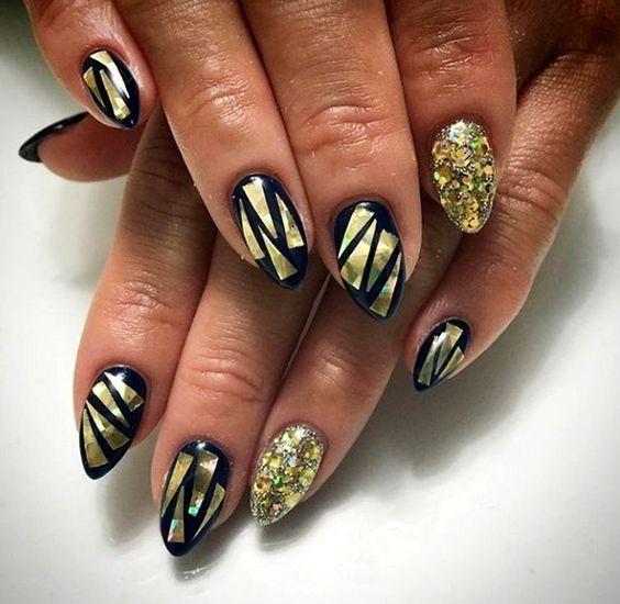 черно-золотой дизайн ногтей битое стекло