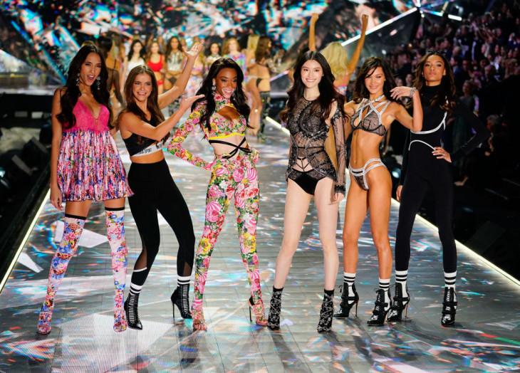 Модель с витилиго на шоу Victoria's Secret