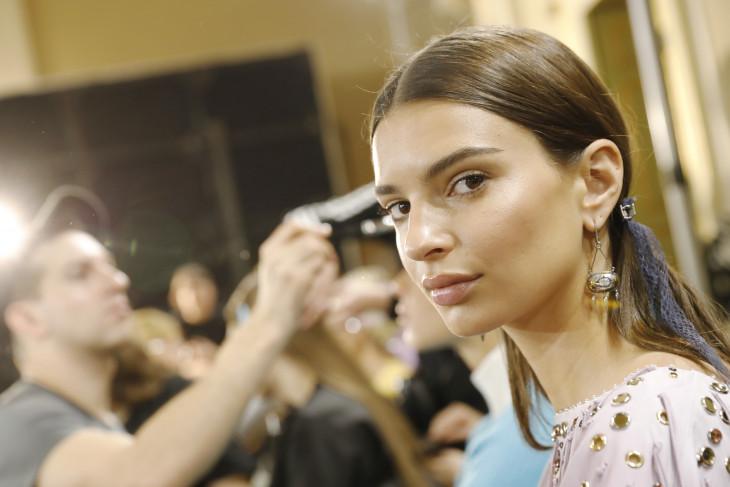 Эмили Ратаковски уход и макияж