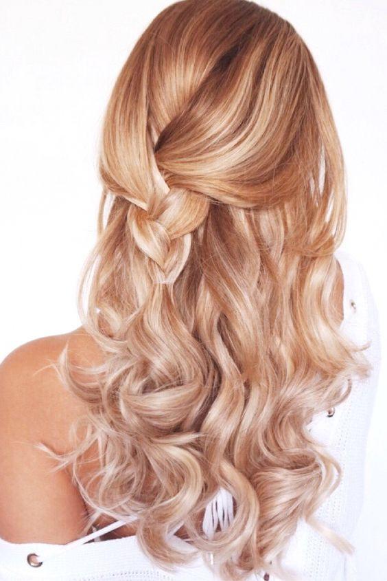 нежный персиковый балаяж на светлые волосы