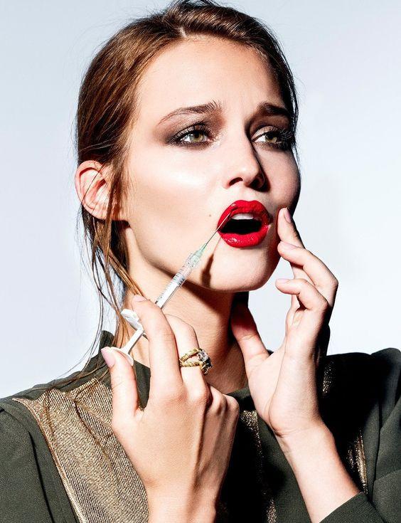 Косметическая процедура увеличения губ