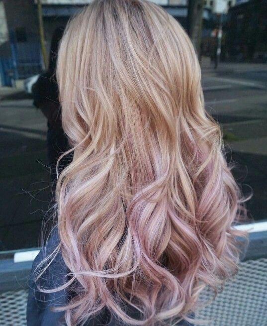 персиковый балаяж на светлые волосы