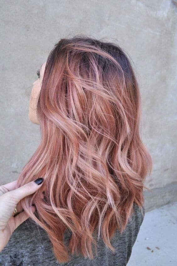 красивый клубничный цвет волос
