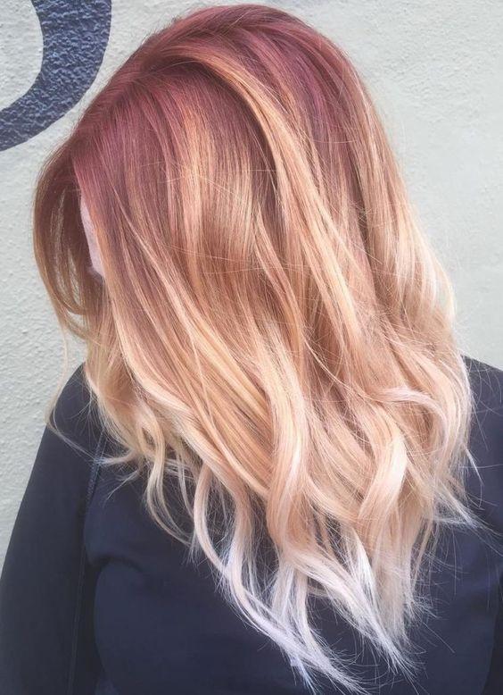 клубничный блонд с затемненным корнем