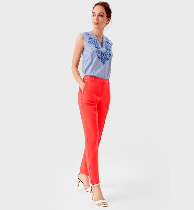 коралловые брюки