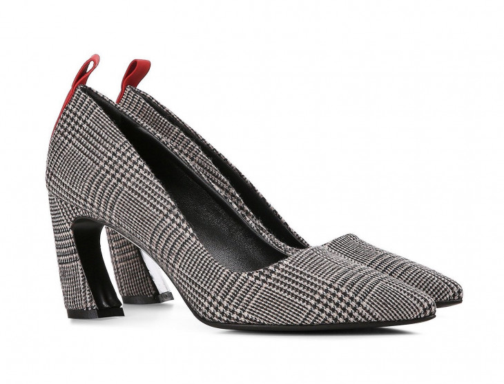 Строгие весенние туфли