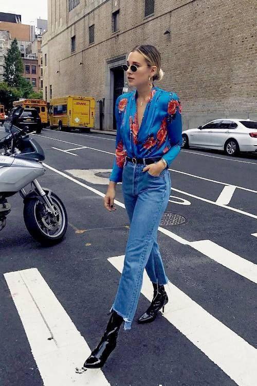 Стильная девушка на улице