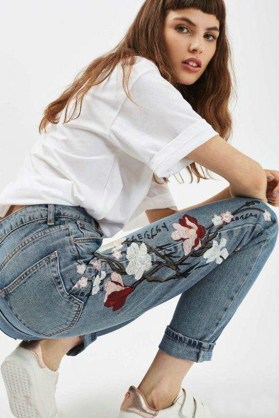 Модная вышивка на джинсах