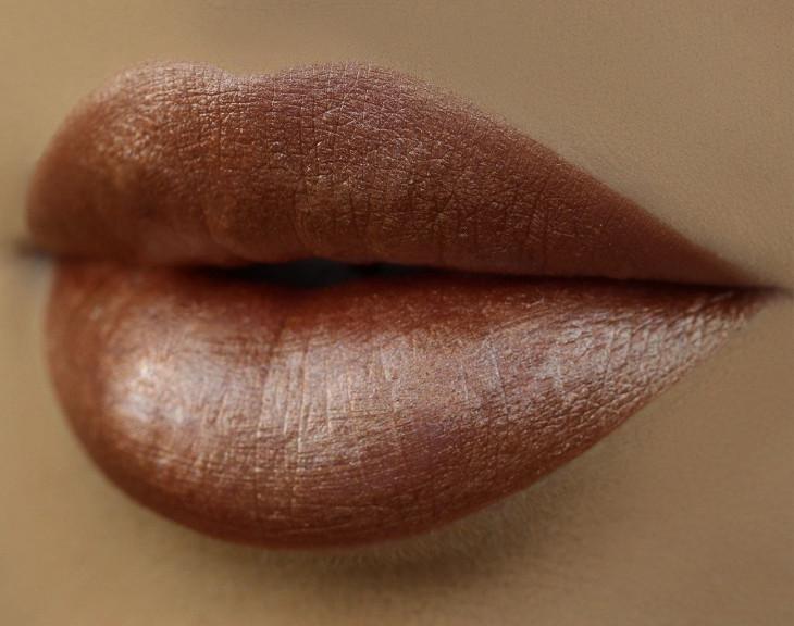 Матовый металлик на губах