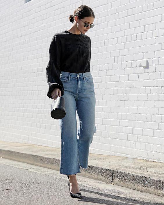 Клешеные джинсы