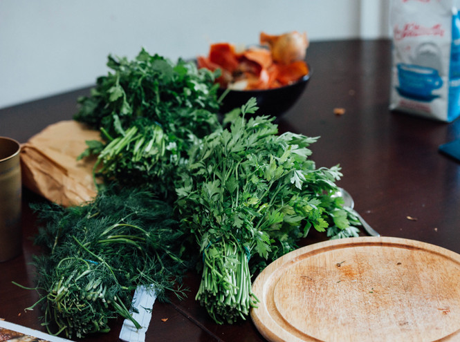Долой лишнее: 9 продуктов питания, которые помогут избавиться от отеков