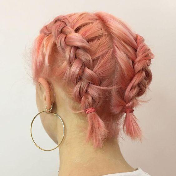 Обратные французские косы при короткой стрижке