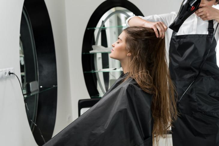 Салонная процедура ботокс для ухода за волосами
