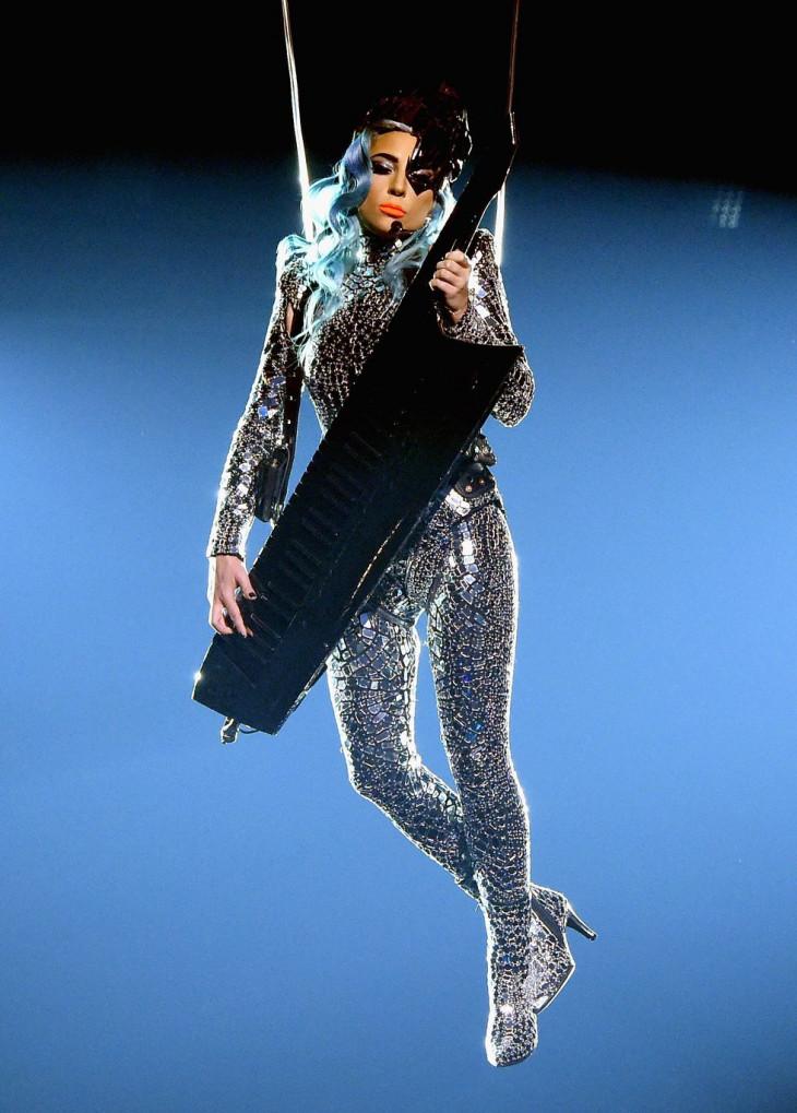 Леди Гага в новогоднем шоу Enigma