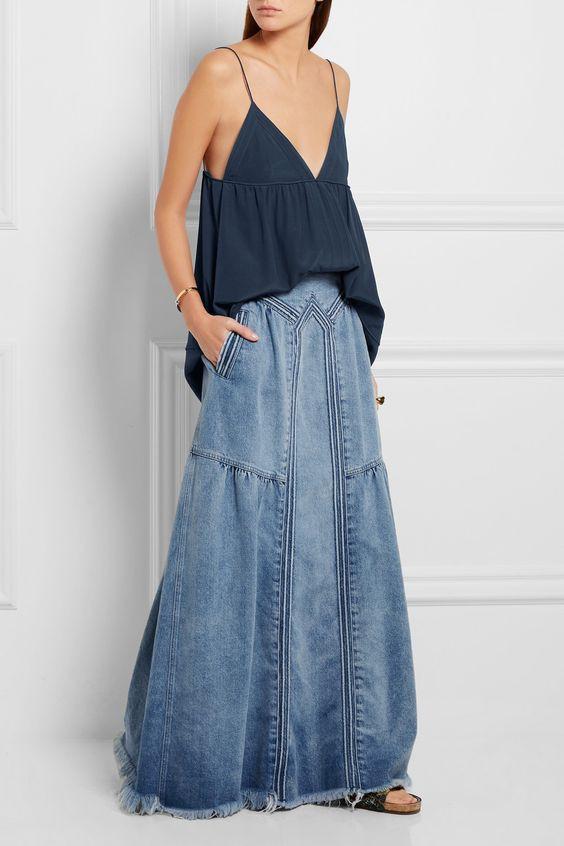 Романтический образ с длинной джинсовой юбкой