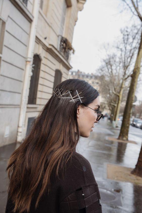 Прическа с невидимками на длинные волосы 2019