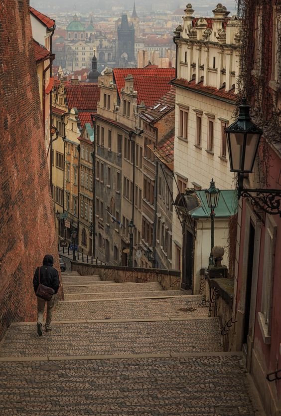 Идеальная Пражская улочка для путешествия в одиночку