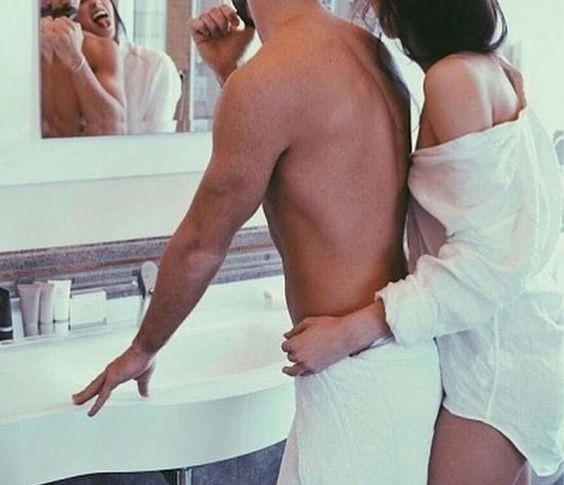 Пара в ванной