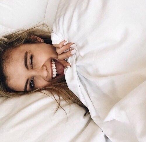 белая улыбка