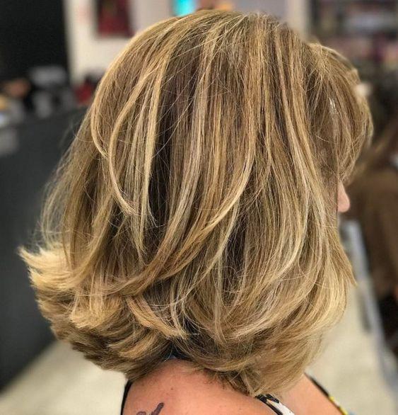 Стрижка каскад на волосы средней длины