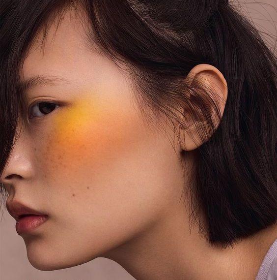 Необычный макияж скул на 8 марта