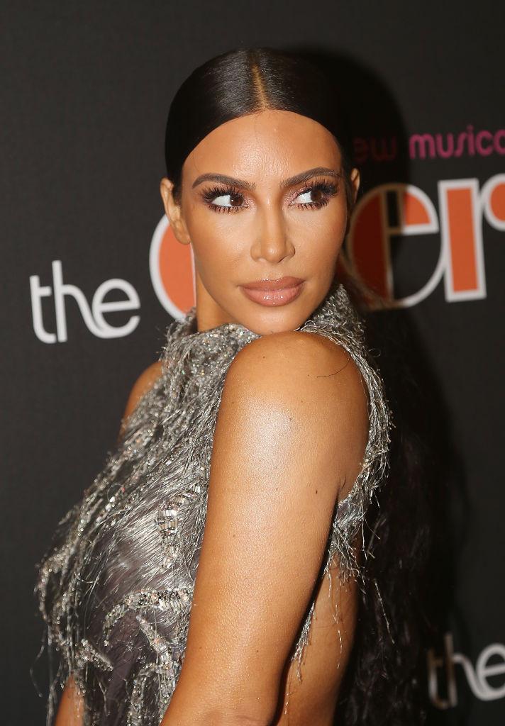 5 любимых трендов Ким Кардашьян, которую признали модной иконой изоражения