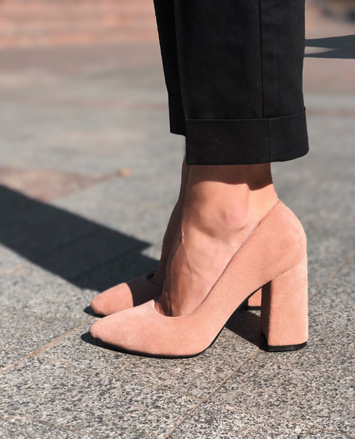 Туфли кораллового цвета от One by One