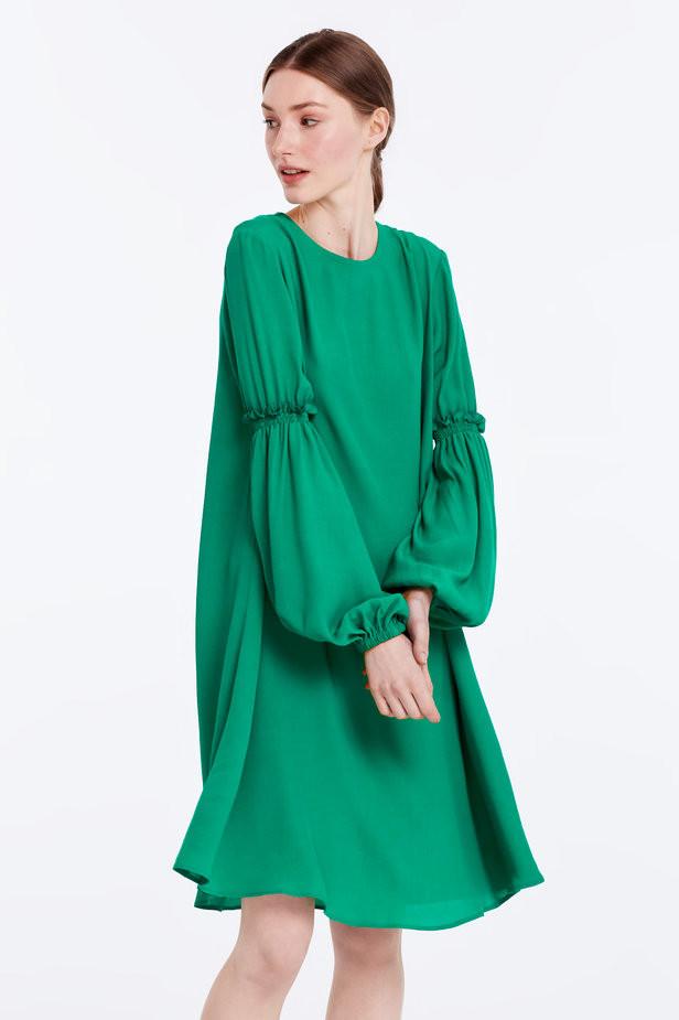 Зеленое весеннее платье, которое подойдет под ботинки