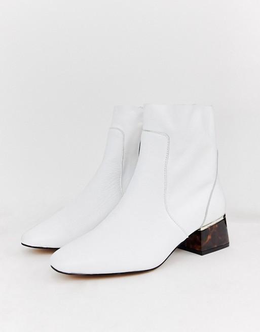 Белые женские ботинки River Island