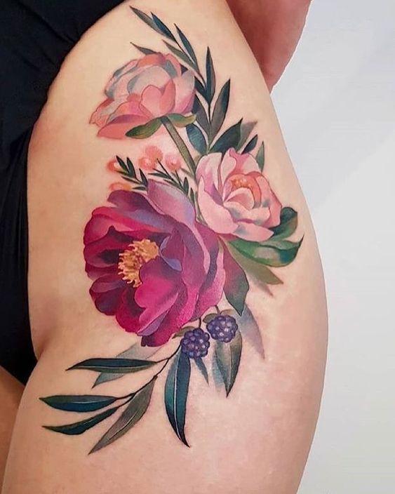 Татуировка на ноге в цвете
