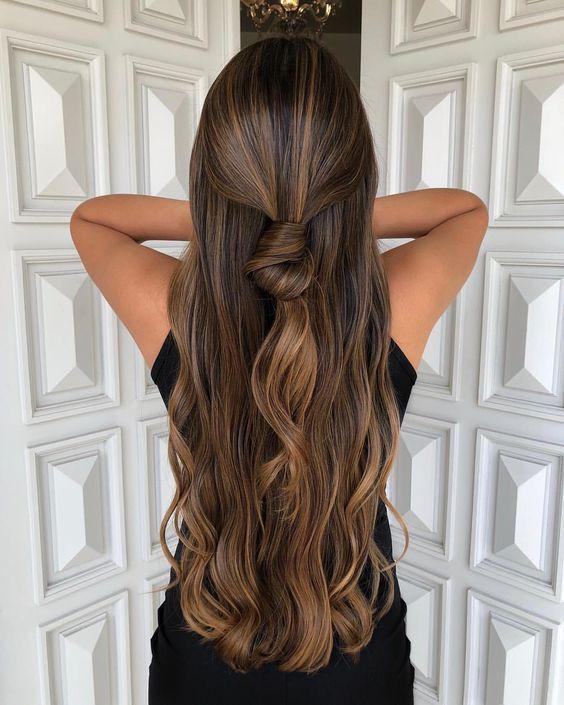 Модное окрашивание темных волос бейбилайтс