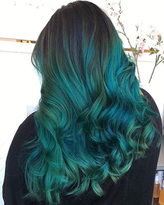 Разноцветное окрашивание на темные волосы
