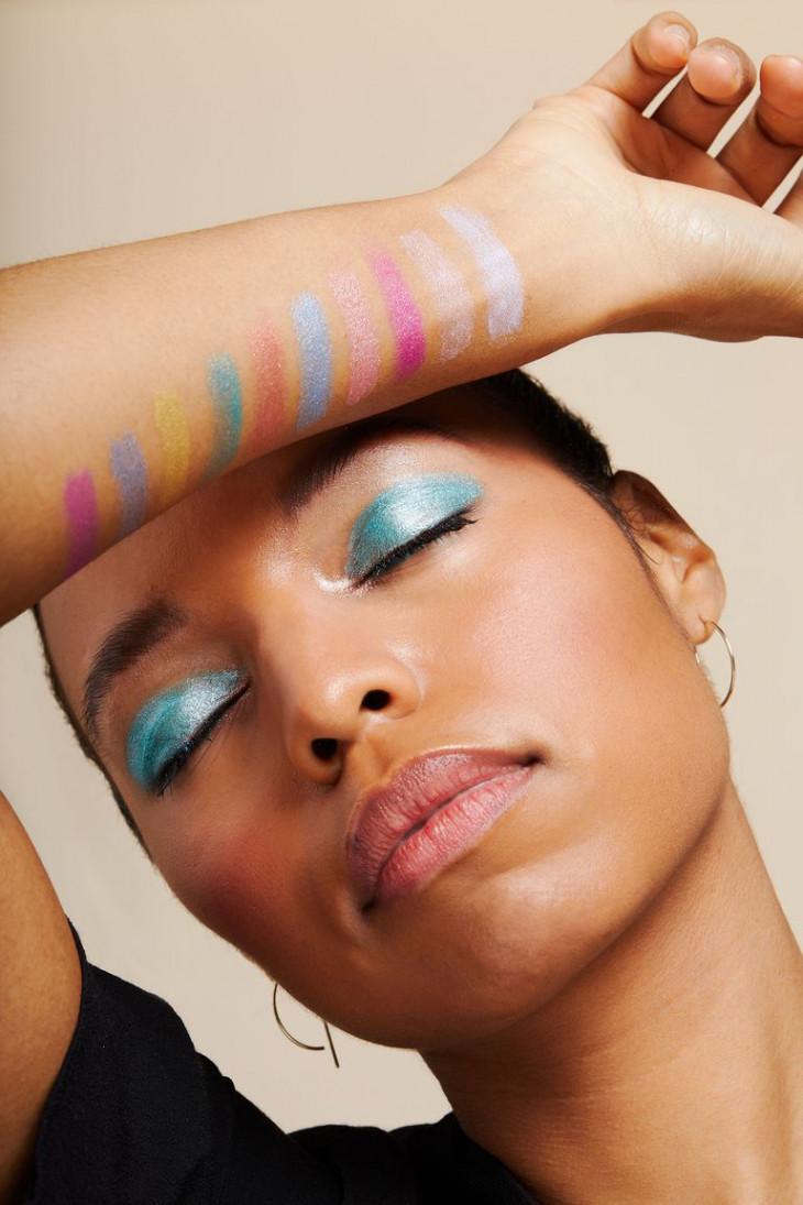 Свотчи NYX Love You So Mochi Electric Pastels Eyeshadow Palette