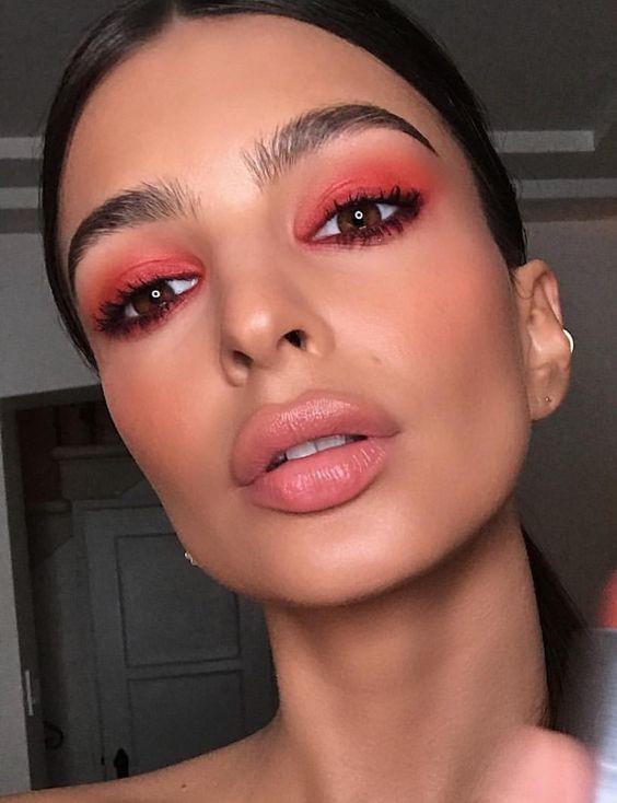 Коралловый макияж глаз