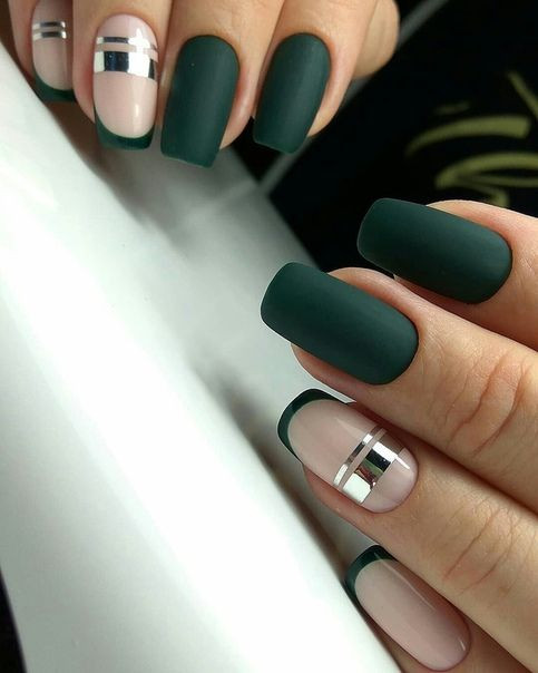 темно зеленый геометрический маникюр