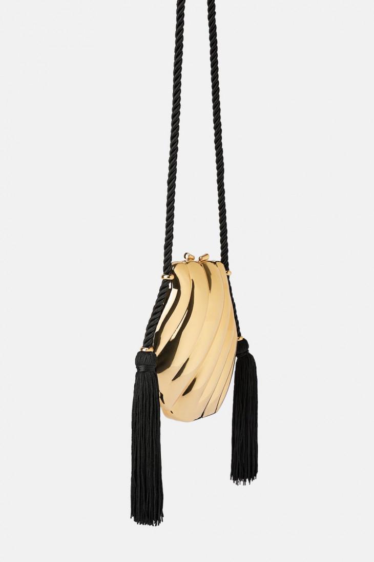 Золотой клатч в форме ракушки Zara