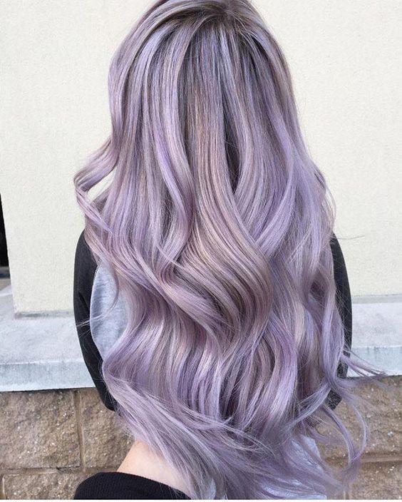 Лиловые волосы