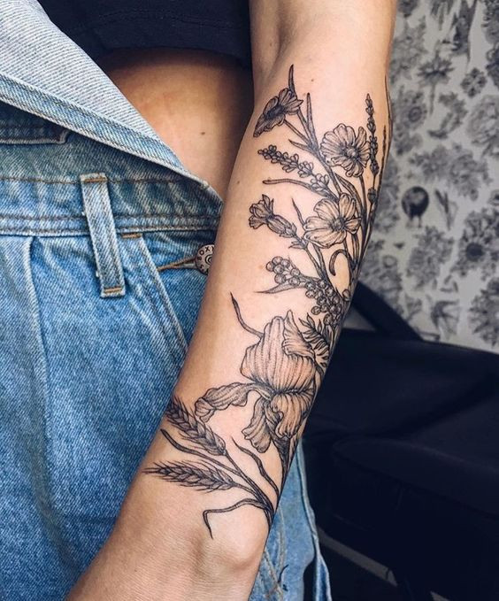 Женские татуировки на руке