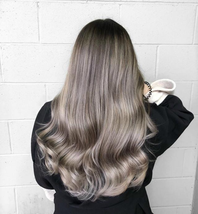 Красивый темно-пепельный цвет волос