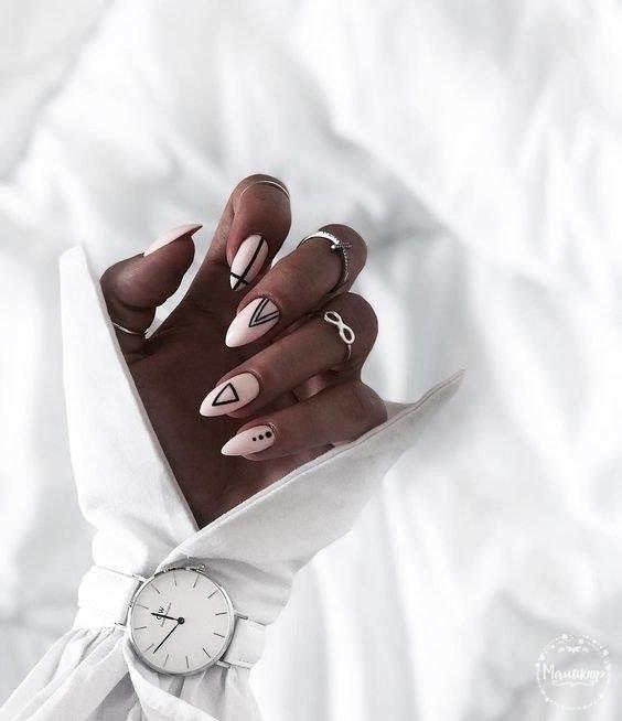 разные фигуры на ногтях