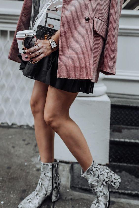 Розовый вельветовый пиджак