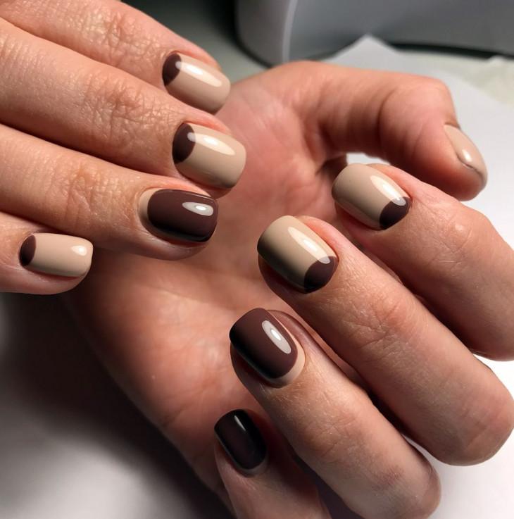 Оригинальный коричневый маникюр
