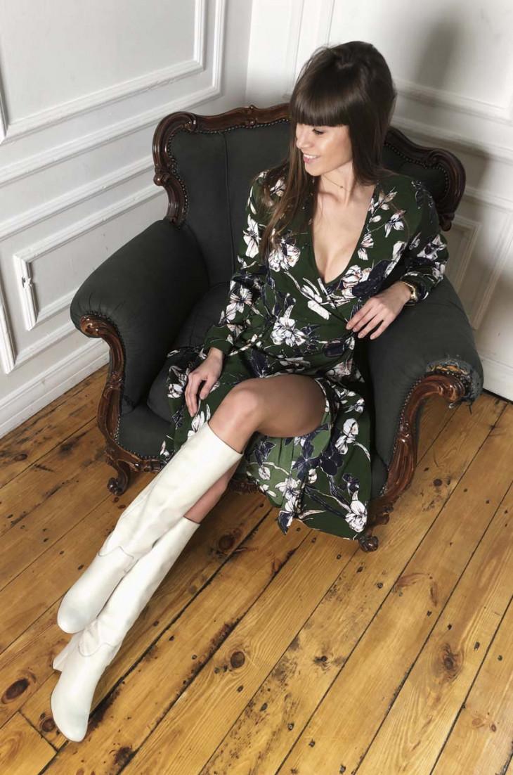 Изумрудное весеннее платье на 8 марта