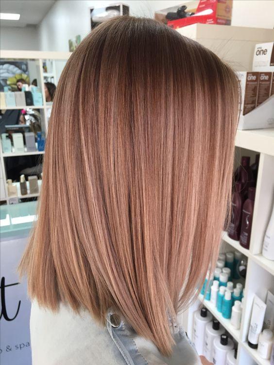 Модное окрашивание клубничный блонд