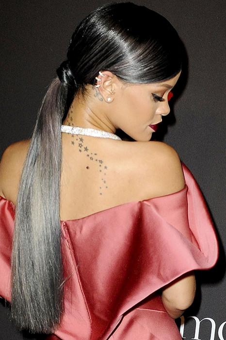 Рианна серые волосы
