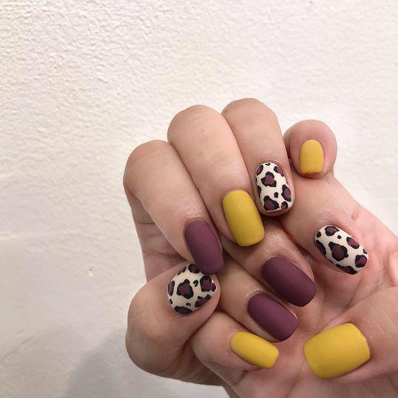 Красивый леопардовый маникюр